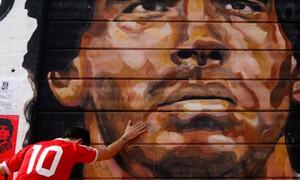 Ντιέγκο Μαραντόνα: Ανατριχιαστικό! Η φωτογραφία που σαρώνει στα social media (photo)