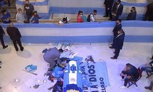 Μαραντόνα: «Εγκληματική ηλιθιότητα των υγειονομικών αρχών»