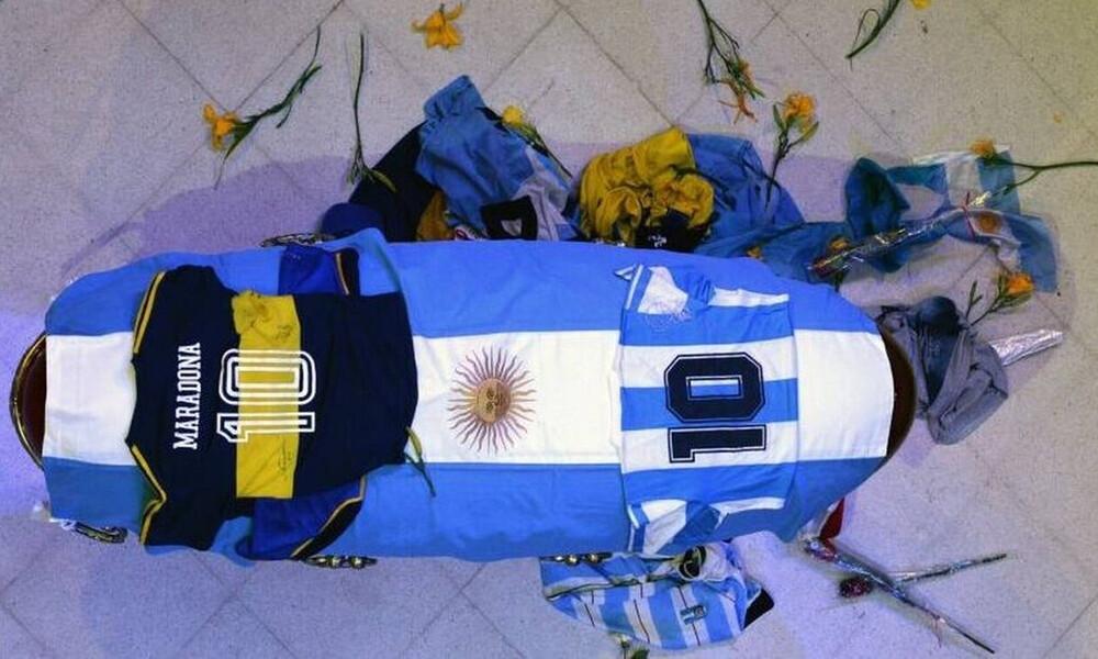 Κηδεία Μαραντόνα: Live Streaming η μεταφορά της σορού του στην τελευταία του κατοικία (photos+video)