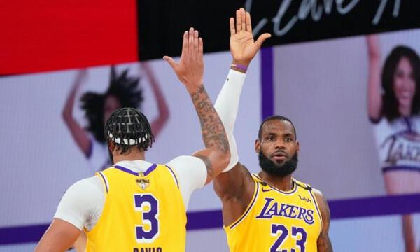 NBA: Λέικερς και Λίλαρντ στις πιο clutch στιγμές (video)