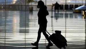 Νέοι κανόνες στις πτήσεις; Υποχρεωτικός εμβολιασμός, «διαβατήρια» εμβολιασμού και πάσα υγείας