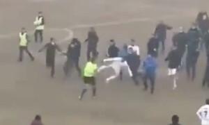 Απίστευτο ξύλο και επεισόδια - Έτρεχε να σωθεί ο διαιτητής (video+photos)