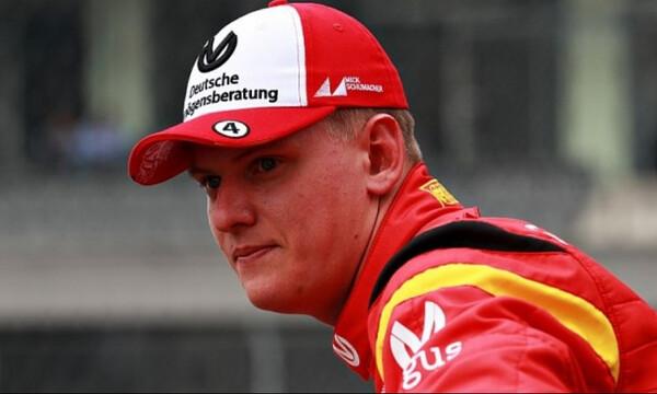 Formula 1: Δίπλα στον Μικ Σουμάχερ ο Φέτελ