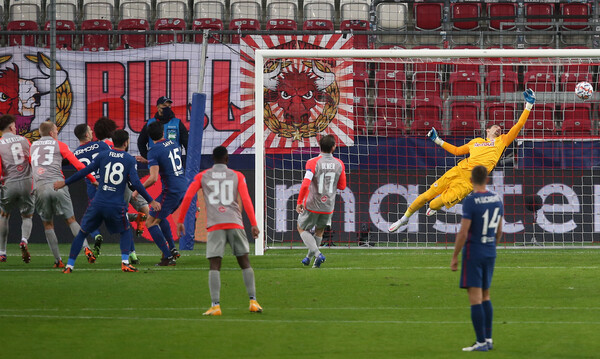 Champions League - 1ος όμιλος: Στους «16» η Ατλέτικο με Ερμόσο, Καράσκο (video)