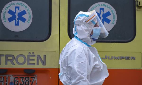 Κρούσματα σήμερα: 873 νέα ανακοίνωσε ο ΕΟΔΥ - 55 νεκροί σε 24 ώρες - 476 οι διασωληνωμένοι