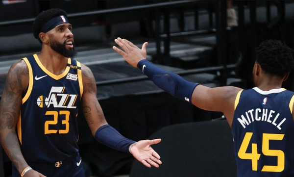 NBA: «Βομβάρδισαν» τους Μπακς οι Τζαζ (video+photos)