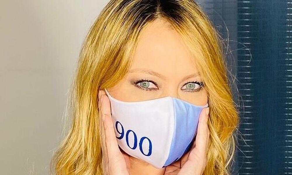 Άννα Φάλκι: Υπόσχεται να ποζάρει ολόγυμνη μόνο με μάσκα αν κερδίσει η Λάτσιο