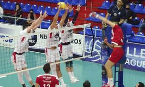 Volley League: Ματσάρα στη Σύρο, «κάρφωσε» τον Ολυμπιακό ο Φοίνικας! (photos)
