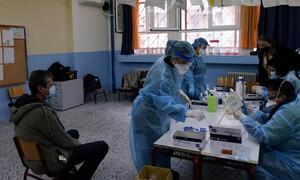 Κρούσματα σήμερα: 320 νέα ανακοίνωσε ο ΕΟΔΥ - 19 νεκροί σε 24 ώρες, στους 322 οι διασωληνωμένοι