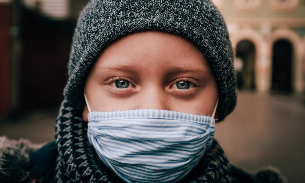 Κορονοϊός: «Προσοχή! Μην χρησιμοποιείτε υφασμάτινες μάσκες»