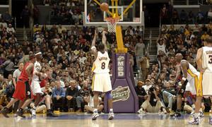 Κόμπι Μπράιαντ: Όταν τρέλανε το NBA με 81 πόντους (videos+photos)