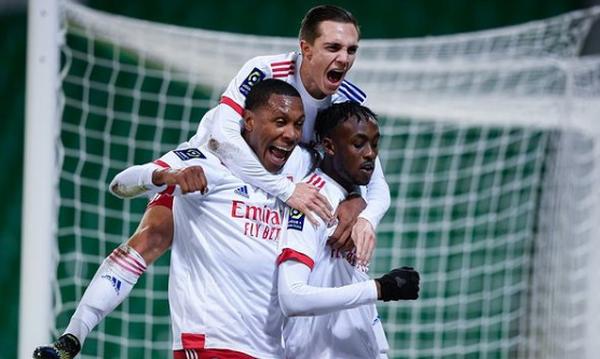 Ligue 1: Πάρτι της Λιόν στην έδρα της Σεντ Ετιέν και στο -2 από την κορυφή (video)