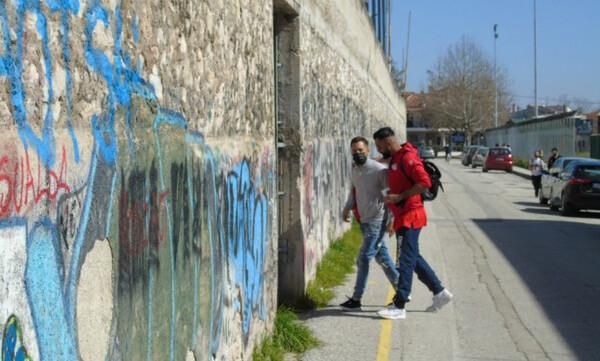 Τρίκαλα-Παναχαϊκή: Έπεσαν σοβάδες στο Στάδιο από τον σεισμό