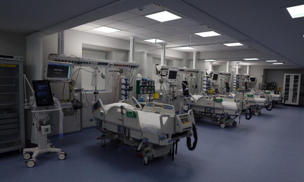 Κορονοϊός: Κατάσταση «πολέμου» στα νοσοκομεία της Αττικής - Διασωληνόνονται ασθενείς εκτός ΜΕΘ
