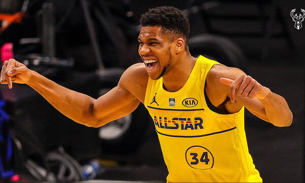 NBA: Η συγκλονιστική ατάκα του Γιάννη για Κόμπι (photos)