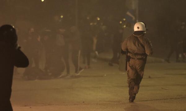 Επεισόδια στη Νέα Σμύρνη: Τα νεότερα για την υγεία του σοβαρά τραυματία αστυνομικού