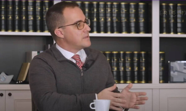 Ο δικηγόρος Κώστας Καρακώστας μιλάει για τη συνεπιμέλεια