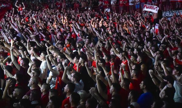 Ολυμπιακός: Επίσκεψη της Θύρας 7 στο Ρέντη - Τα μηνύματα σε παίκτες, Μαρτίνς