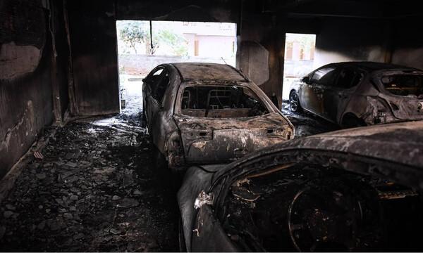 Οπαδική βία πίσω από τον εμπρησμό στην Καλαμαριά (photos+video)