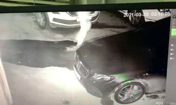 Ανατίναξαν αμάξι αθλητικού δημοσιογράφου - Τι είδε στην κάμερα ασφαλείας (video)
