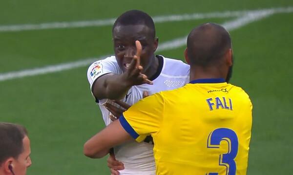 Ρατσιστική επίθεση: Στα άκρα η κόντρα της Βαλένθια με πρώην παίκτη της ΑΕΚ (video)