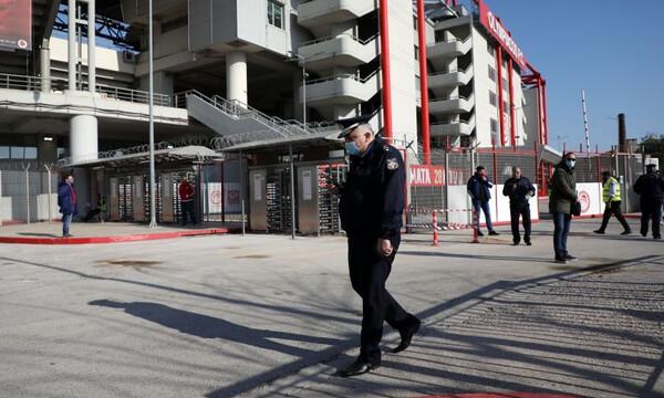 Ολυμπιακός-Παναθηναϊκός: Επεισόδια και ξύλο, τραυματίας αστυνομικός σε «άδειο» γήπεδο (photos)