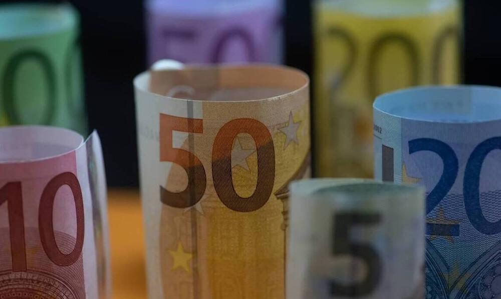 ΟΑΕΔ - Επίδομα 400 ευρώ: «Βροχή» οι αιτήσεις - Πότε θα πληρωθεί στους δικαιούχους