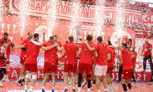 Volley League: Έτσι το σήκωσε ο Ολυμπιακός - H απονομή του πρωταθλήματος (photos+video)