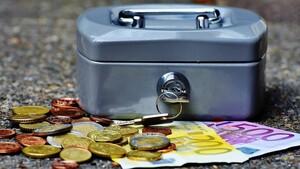 Υπουργείο Εργασίας: Όλες οι πληρωμές που θα γίνουν μέχρι τις 23 Απριλίου