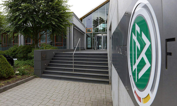 Γερμανική ομοσπονδία κατά Super League: «Οι αθλητικές επιδόσεις να κρίνουν ανόδους και προκρίσεις»