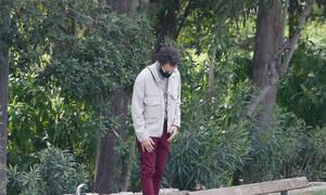Τρομάξαμε να τον αναγνωρίσουμε! Η βόλτα στο Ζάππειο και η αλλαγή στο look