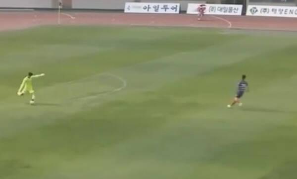 Απίθανο γκολ από τερματοφύλακα - Σκόραρε από την εστία του (video+photos)