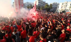 Οπαδοί του Ολυμπιακού έκαναν «ντου» στην Ακρόπολη - Η αντίδραση του υπουργείου Πολιτισμού