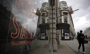 Βρετανία: Ανησυχία από τοπικά ξεσπάσματα κρουσμάτων της ινδικής μετάλλαξης