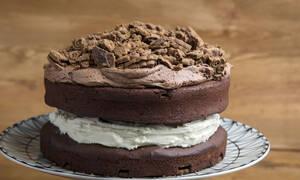 Άκης Πετρετζίκης: Κέικ μπισκότο