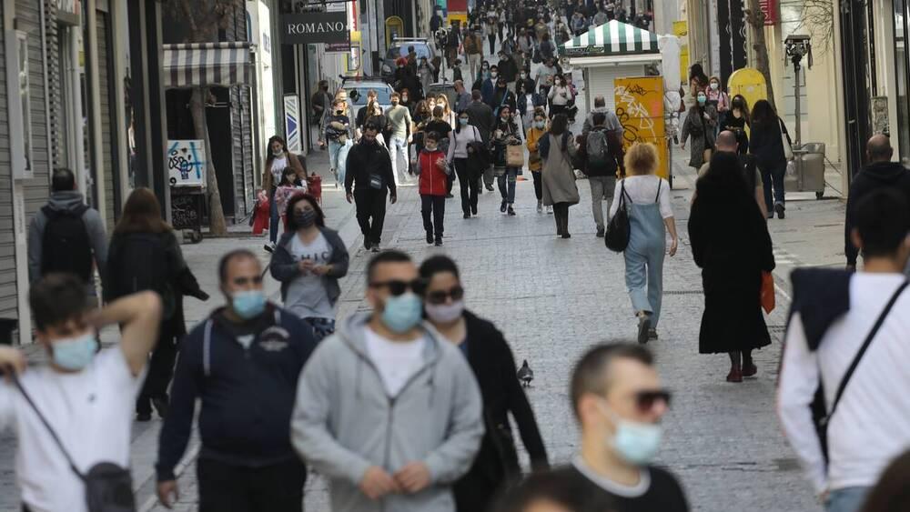 Κορονοϊός: Τι λένε οι ειδικοί για τις νέες μεταλλάξεις και την πιθανότητα γενικού lockdown