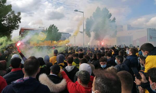 Ligue 1: Μακάβριο μήνυμα των οπαδών της Ναντ για τον ιδιοκτήτη της ομάδας! (video+photos)