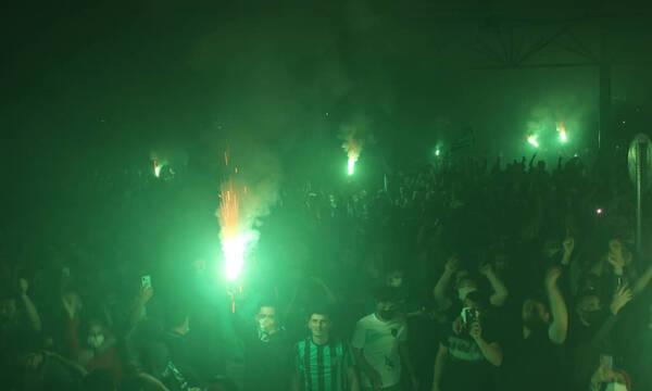 Παραλίγο θρήνος σε πανηγυρισμούς στην Τουρκία: Παίκτης έπεσε από το πούλμαν (photos+video)
