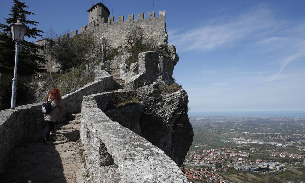 Koρονοϊός: Το Σαν Μαρίνο προσκαλεί τουρίστες...για να εμβολιαστούν με Sputnik-V