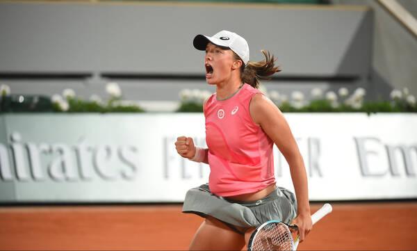Roland Garros: Η Σβιάτεκ στον δρόμο της Σάκκαρη! (video)