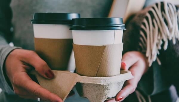 Τα... διέλυσε όλα - Δείτε πως πήγε να πάρει... έναν καφέ (photos)