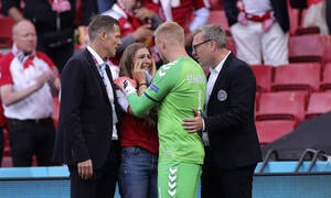 Κρίστιαν Έρικσεν: Συγκλονιστικές εικόνες με την γυναίκα του-Μπήκε στο γήπεδο και ξέσπασε σε κλάματα