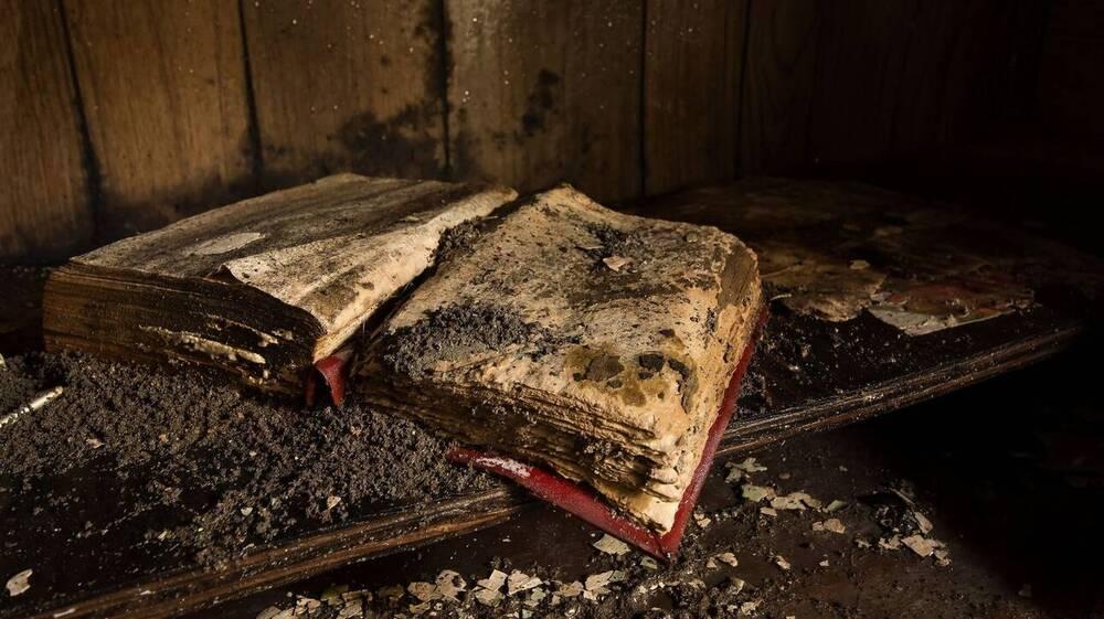 Η πολτοποίηση των βιβλίων είναι μια σύνθετη - και πολύ δυσάρεστη- ιστορία