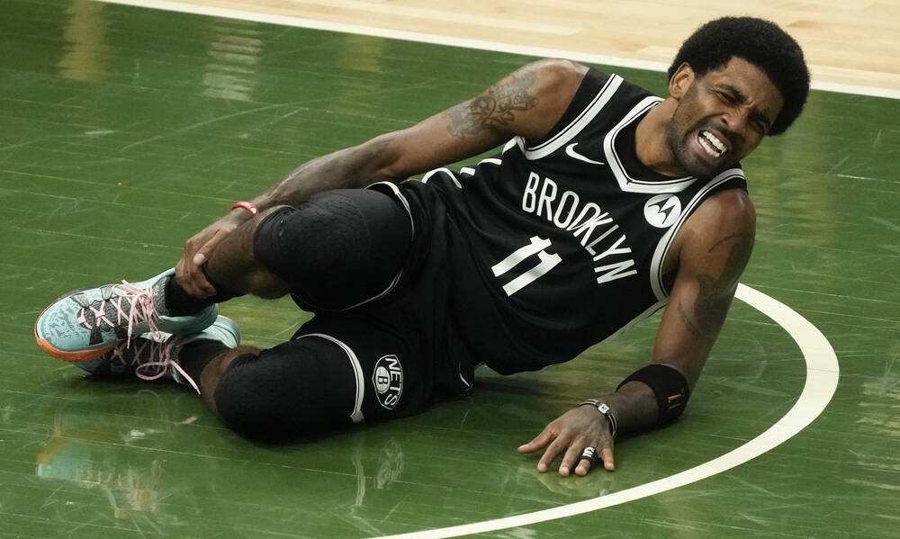 NBA: «Πάγωσαν» οι Νετς με Ίρβινγκ - Τραυματίστηκε σοβαρά κόντρα στους Μπακς (video+photos)