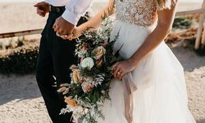 Έβγαλε... κίτρινη κάρτα στη νύφη - Η αντίδραση του γαμπρού που έγινε Viral