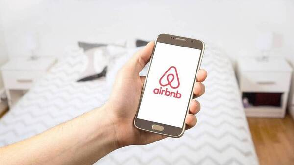 Airbnb: Οι επιπτώσεις και προοπτικές στη μετά-Covid εποχή