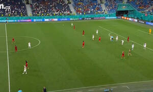 Euro 2020: Εισβολή γυναίκας στο Φινλανδία-Βέλγιο (video)