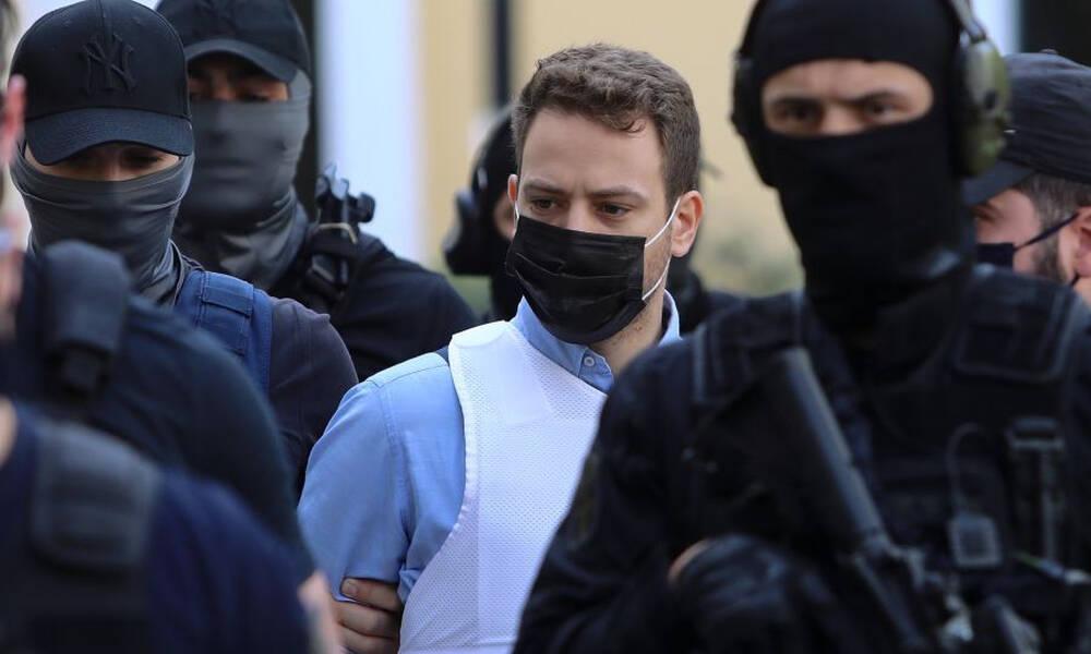 Γλυκά Νερά: Στη φυλακή ο Μπάμπης Αναγνωστόπουλος - Οργή στο πανελλήνιο για τον δολοφόνο της Καρολάιν