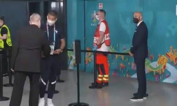 Euro 2020: Αδιανόητο σκηνικό με Εμπαπέ - Σεκιουριτάς τον σταμάτησε πριν μπει στο γήπεδο