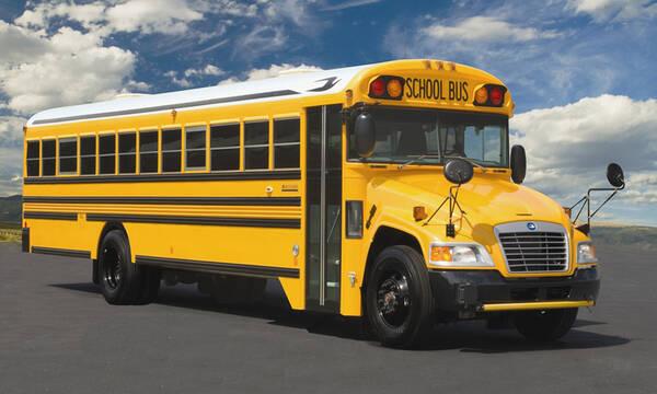 Αποφάσισαν να ζήσουν μέσα σε... λεωφορείο - Δεν θα πιστεύετε πως είναι μέσα (photos)